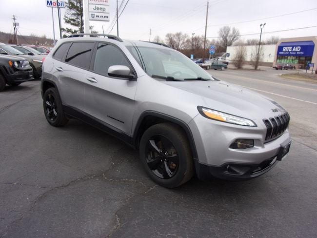 Used 2016 Jeep Cherokee Latitude 4x4 SUV For Sale in Dansville, NY