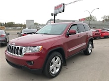 2012 Jeep Grand Cherokee Laredo w/ b/cam, leather, NAV, heat seats, s/roof SUV