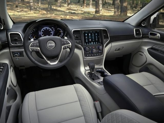 2018 Jeep Grand Cherokee Driver Interior