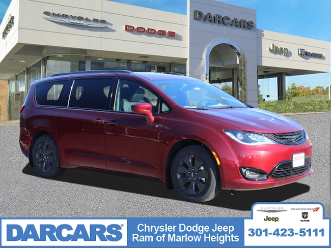 New 2019 Chrysler Pacifica Hybrid TOURING L Passenger Van in Temple Hills, MD