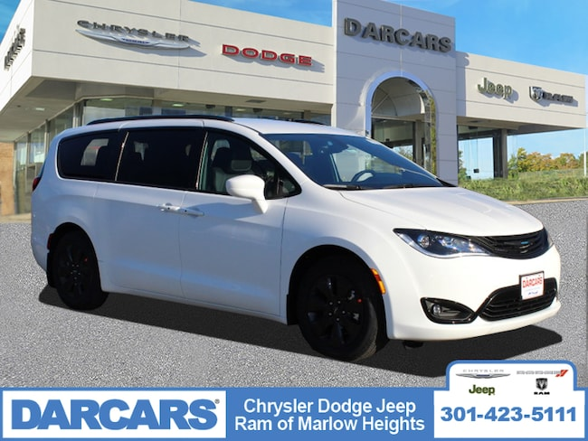 New 2019 Chrysler Pacifica Hybrid TOURING L Passenger Van in Temple Hills, MD