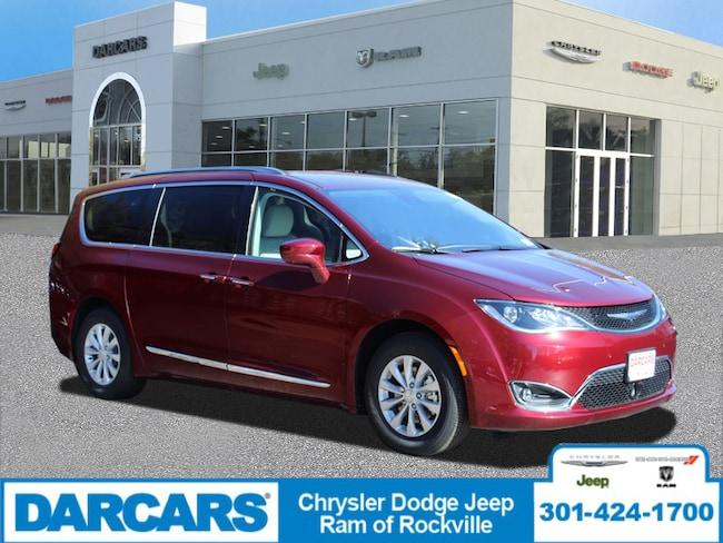 New 2019 Chrysler Pacifica TOURING L Passenger Van Rockville, MD