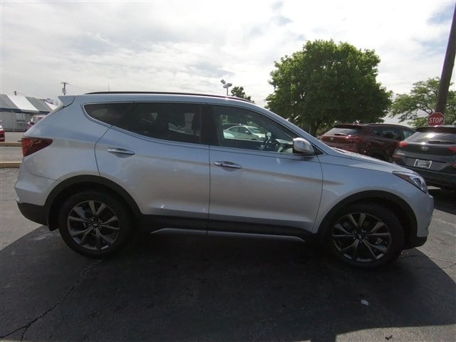 Used 2018 Hyundai Santa Fe Sport For Sale in Joliet Near Shorewood
