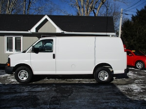 2012 Chevrolet Express 2500 Cargo Van! w/ Metal Divider and Shelving!