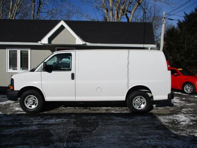 2012 Chevrolet Express 2500 Cargo Van! w/ Metal Divider and Shelving! Van