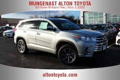 New Toyota for sale  2018 Toyota Highlander XLE V6 SUV 5TDJZRFH5JS836090 in Alton, IL