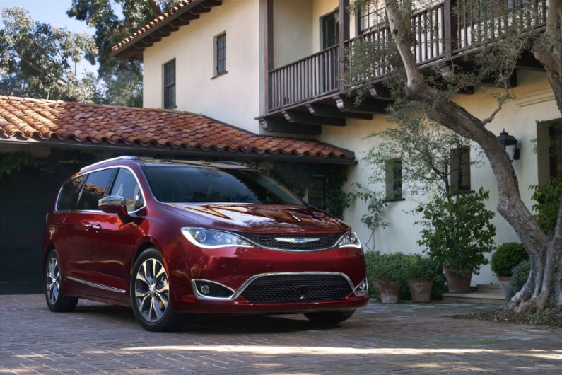 Chrysler Pacifica Lease Deals near Erie, PA