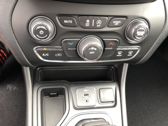 New 2019 Jeep Cherokee Latitude Fwd For Sale Murray Ky