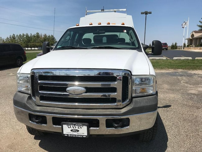 2006 Ford F-350 Chassis Cab Chassis Truck