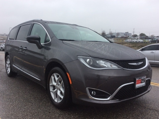 new 2017 chrysler pacifica touring l plus van granite crystal for sale in temecula ca stock. Black Bedroom Furniture Sets. Home Design Ideas