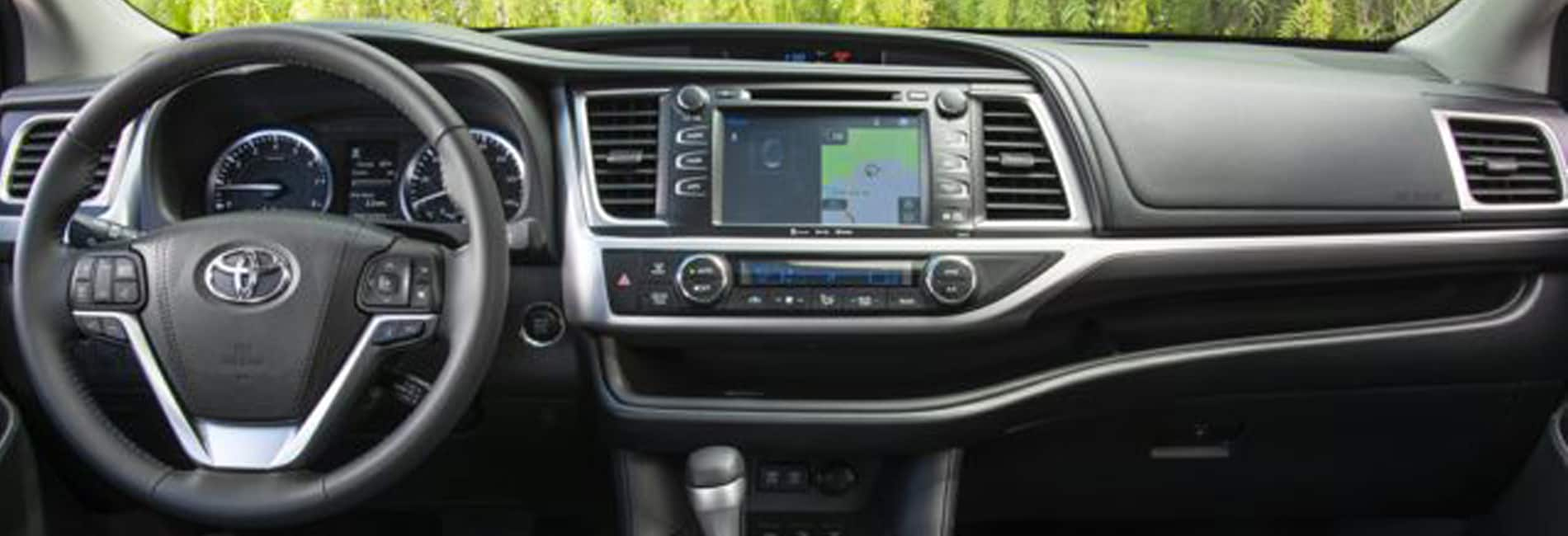 Toyota Highlander Interior Vehicle Features