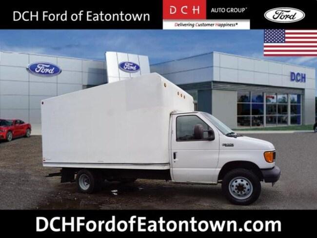 2005 Ford E-350 Cutaway Standard Truck