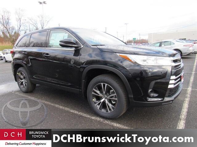 New 2019 Toyota Highlander Suv Midnight Black For Sale In North