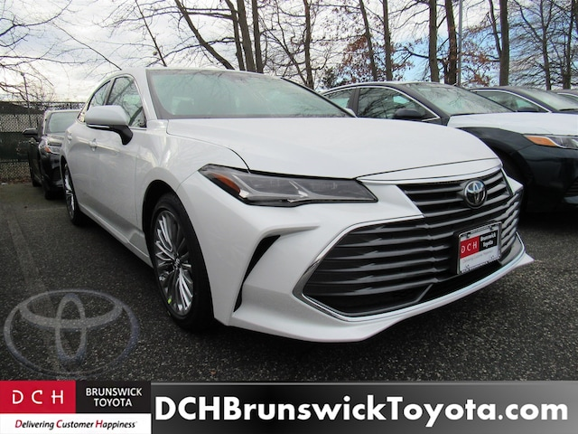 New 2019 Toyota Avalon Limited Sedan Wind Chill Pearl For