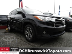Used Toyota Highlander  2016 Toyota Highlander LE Plus V6 SUV For Sale at DCH Brunswick Toyota