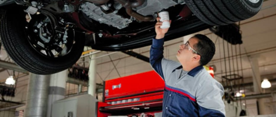 ford tech changes oil filter