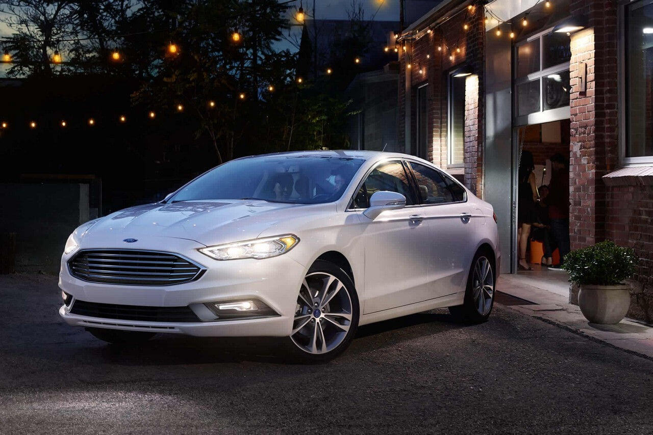2018 Ford Fusion in white oxford