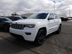 New Chrysler Dodge Jeep Ram models 2019 Jeep Grand Cherokee ALTITUDE 4X4 Sport Utility 1C4RJFAG0KC702940 for sale in Monroe, WI near Madison