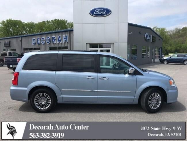 2016 Chrysler Town & Country Touring-L Minivan/Van