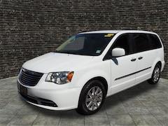 2015 Chrysler Town & Country Touring Touring  Mini-Van