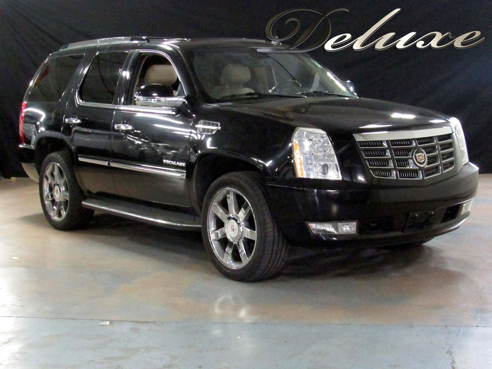 2010 Cadillac Escalade Luxury AWD, Navigation, Rear-View Camera, DVD,