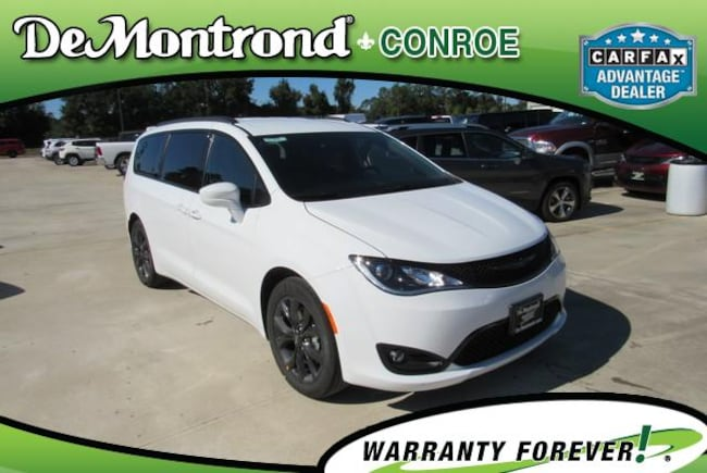 New 2019 Chrysler Pacifica TOURING L Passenger Van For Sale Conroe, Texas