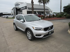 New 2019 Volvo XC40 Momentum SUV V74359 for sale in Houston, TX