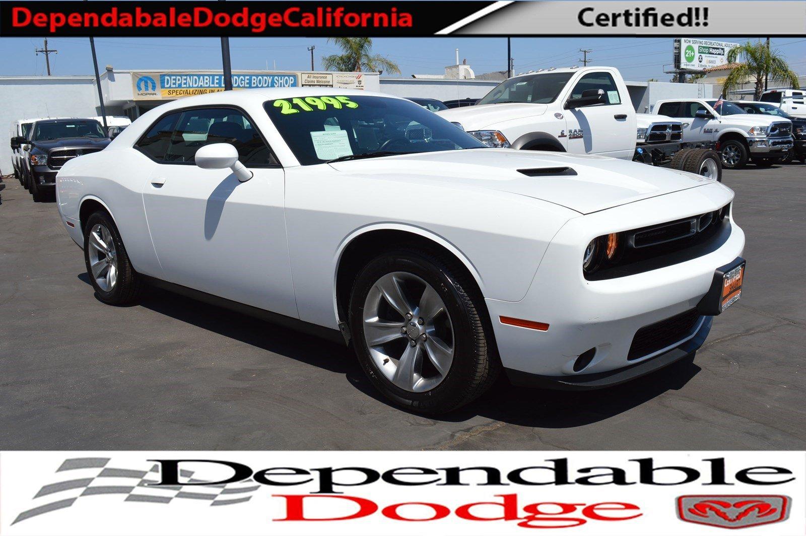 2017 Dodge Challenger SXT Coupe