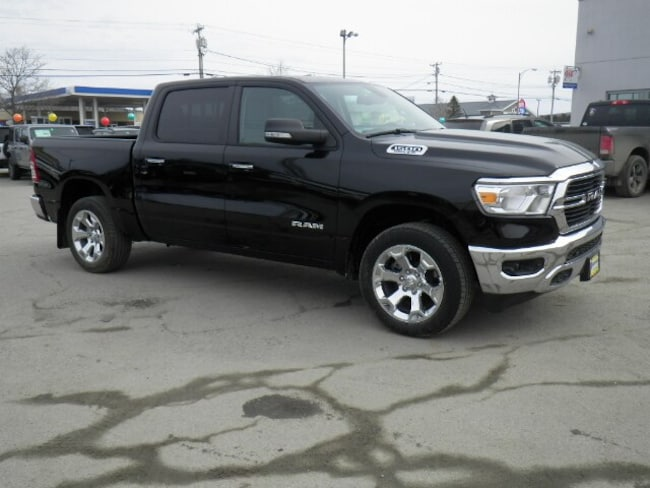 New 2019 Ram 1500 BIG HORN / LONE STAR CREW CAB 4X4 5'7 BOX Crew Cab Derby, VT