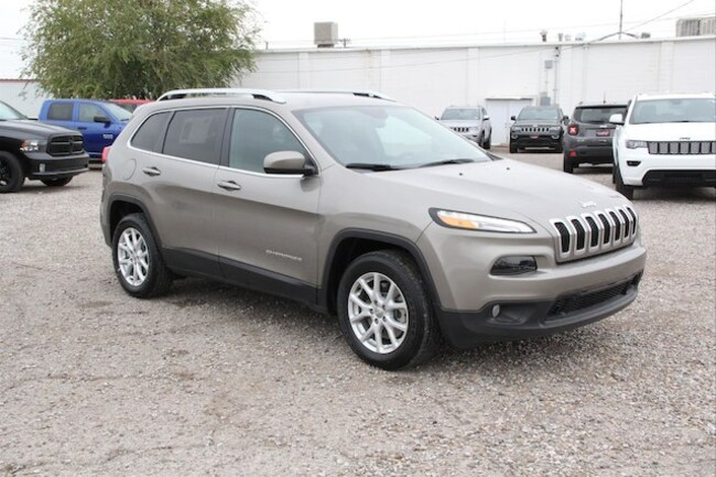 New 2018 Jeep Cherokee LATITUDE PLUS FWD Sport Utility in Roswell, NM