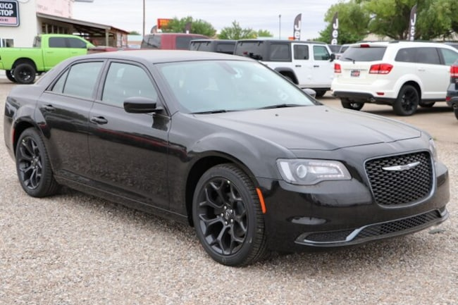 New 2019 Chrysler 300 TOURING Sedan in Roswell, NM