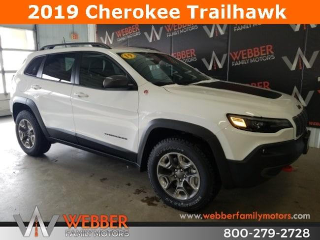 New 2019 Jeep Cherokee TRAILHAWK 4X4 Sport Utility Near Fargo