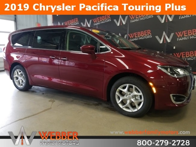 New 2019 Chrysler Pacifica TOURING PLUS Passenger Van Near Fargo