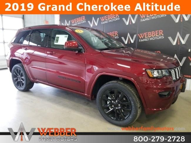 New 2019 Jeep Grand Cherokee ALTITUDE 4X4 Sport Utility Near Fargo