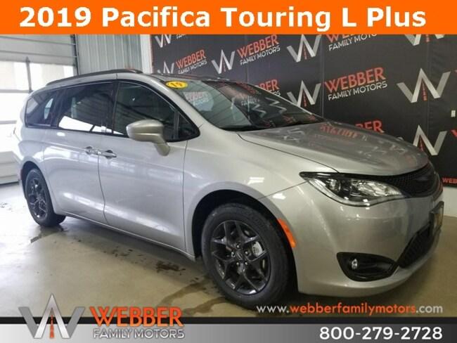 New 2019 Chrysler Pacifica TOURING L PLUS Passenger Van Near Fargo