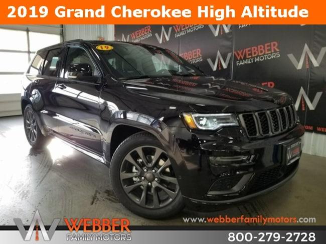 New 2019 Jeep Grand Cherokee HIGH ALTITUDE 4X4 Sport Utility Near Fargo