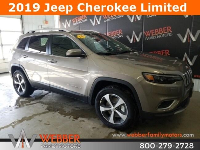 New 2019 Jeep Cherokee LIMITED 4X4 Sport Utility Near Fargo