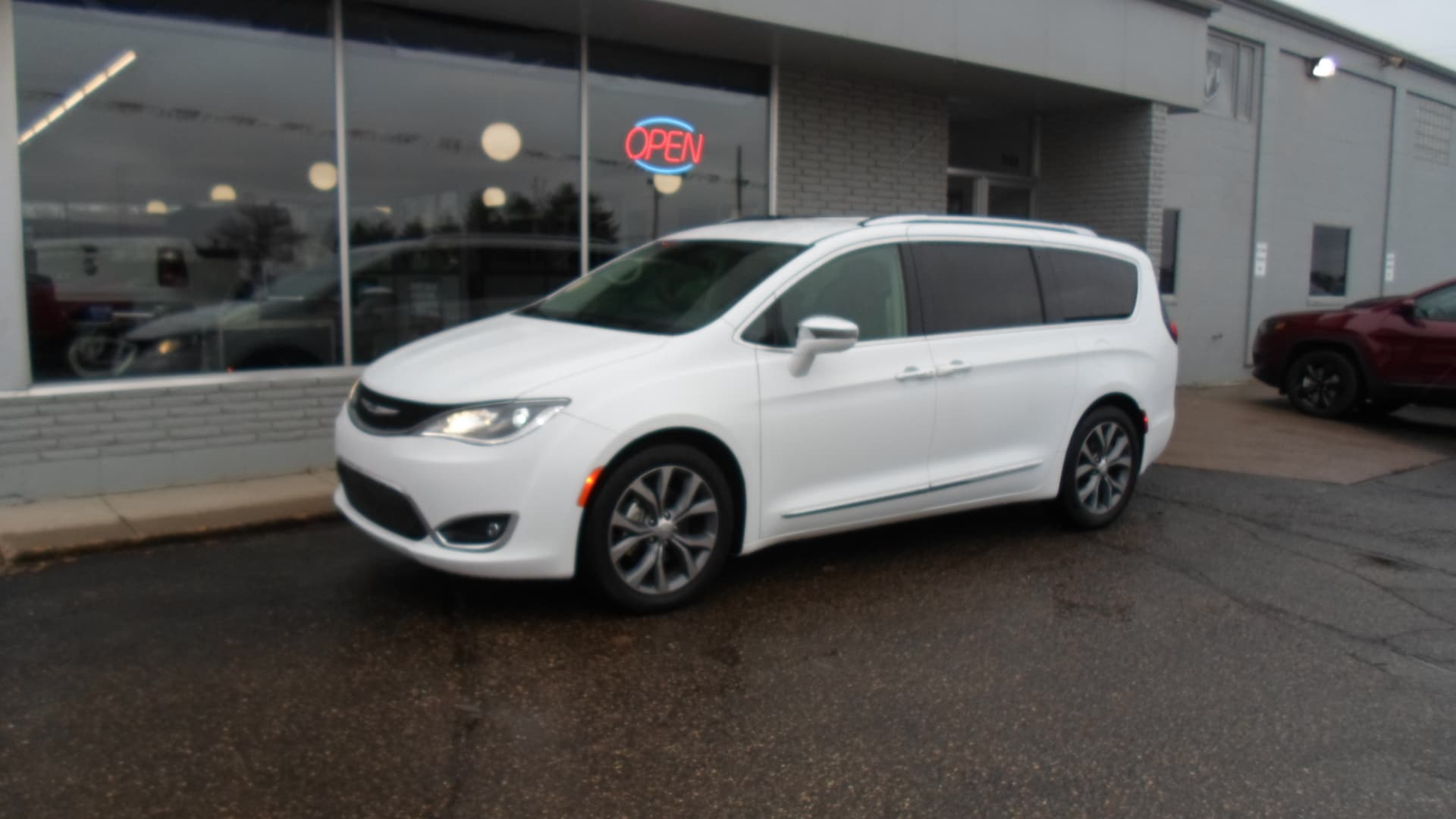 USed 2018 Chrysler Pacifica for sale in Devils Lake
