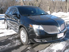 2015 Lincoln MKT Livery SUV