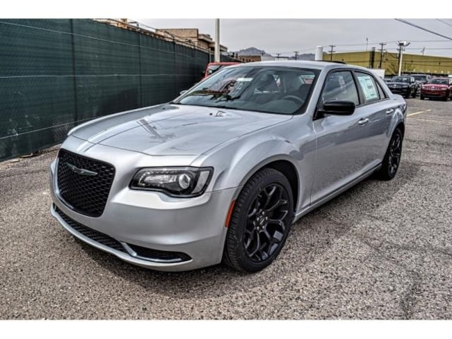 New 2019 Chrysler 300 TOURING Sedan in El Paso