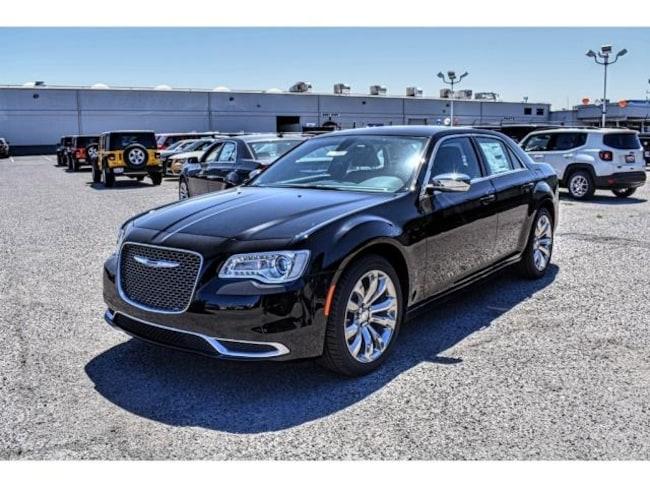 New 2019 Chrysler 300 TOURING Sedan in El Paso