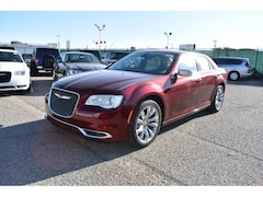 New Chrysler Jeep 2019 Chrysler 300 TOURING Sedan 2C3CCAAG8KH601519 in El Paso, TX