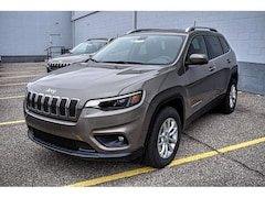 New 2019 Jeep Cherokee LATITUDE 4X4 Sport Utility 1C4PJMCX2KD353198 26035 for sale in El Paso