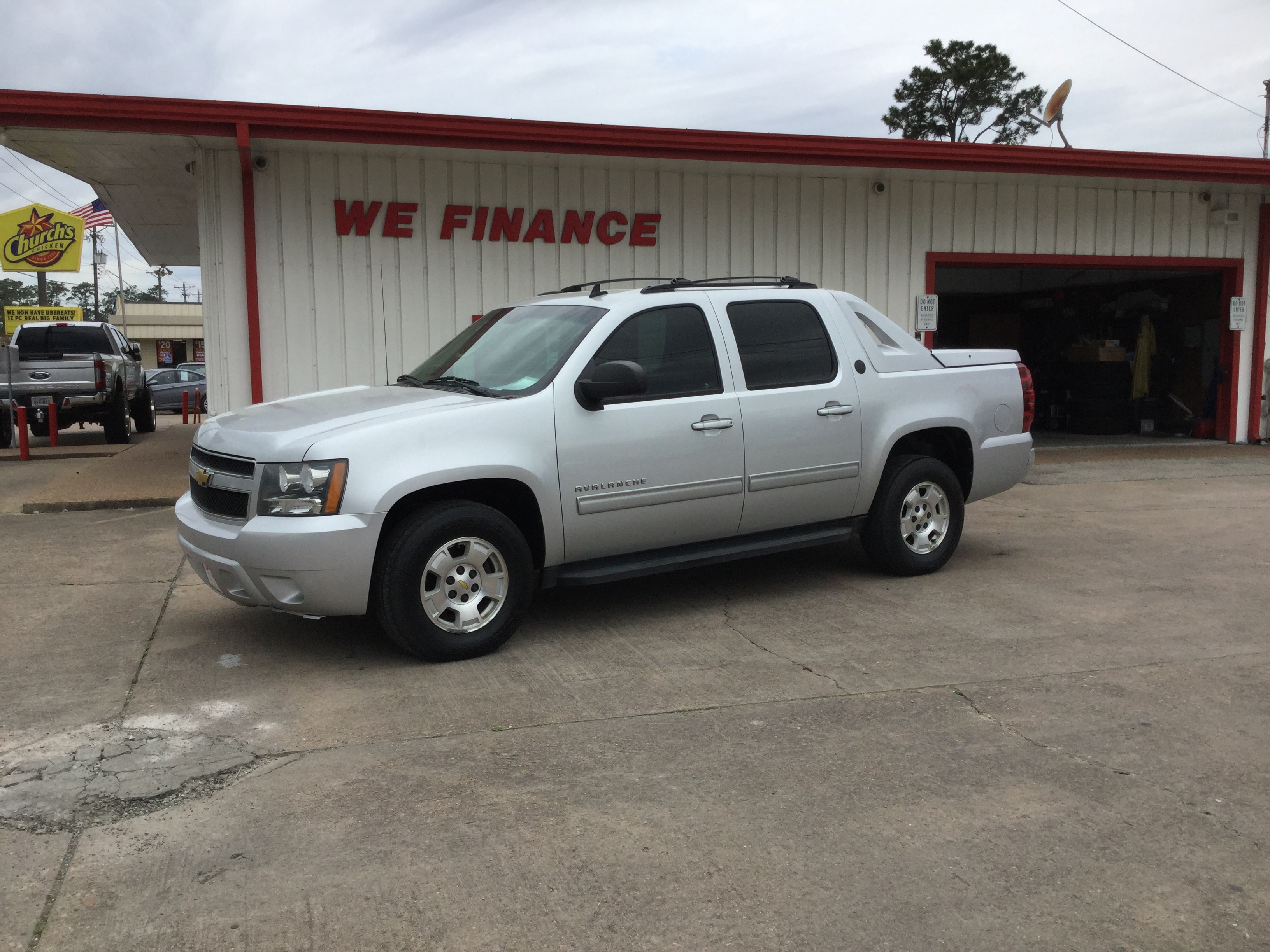 2013 Chevrolet Avalanche LS Black Diamond Truck Crew Cab