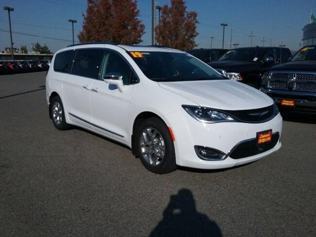 New 2019 Chrysler Pacifica LIMITED Passenger Van Spokane