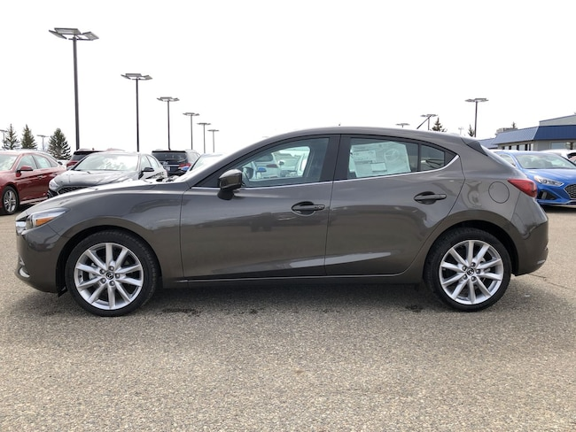 2017 Mazda Mazda3 5-Door Touring 2.5 Hatchback