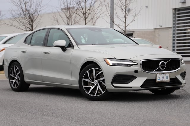Featured Certified Pre-Owned 2020 Volvo S60 T6 Momentum Sedan for Sale in Winchester, VA