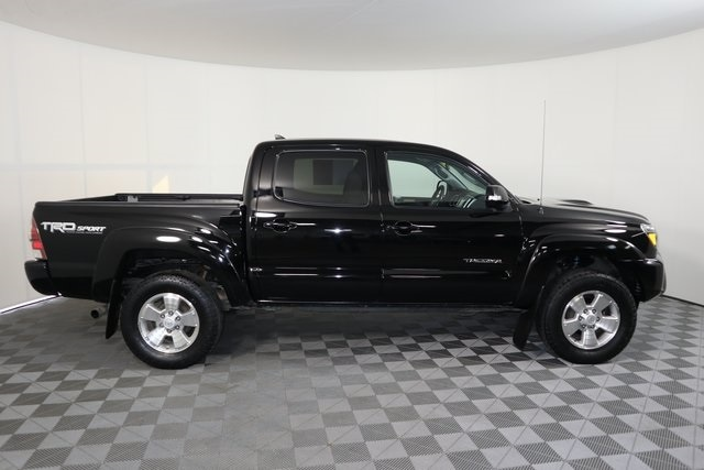 Used 2015 Toyota Tacoma TRD Pro with VIN 3TMLU4EN8FM179200 for sale in Baxter, Minnesota