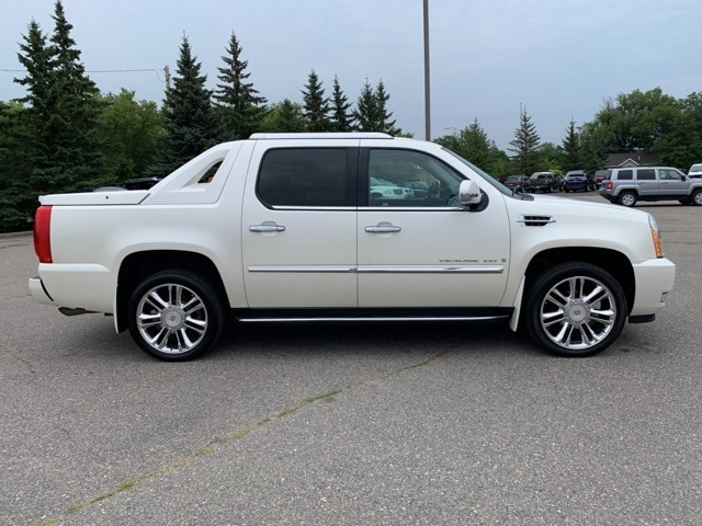 Used 2008 Cadillac Escalade EXT  with VIN 3GYFK62838G240980 for sale in Grand Rapids, Minnesota