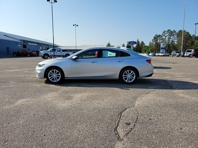Used 2017 Chevrolet Malibu 1LT with VIN 1G1ZE5ST1HF183052 for sale in Grand Rapids, Minnesota